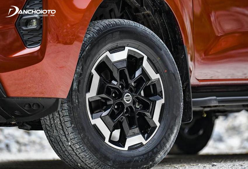 Nissan Navara 2021 được trang bị bộ mâm 6 chấu mới mạnh mẽ và gân guốc