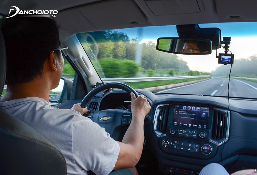 Thêm một bệnh nghề nghiệp của tài xế thường gặp khác là bệnh về mắt