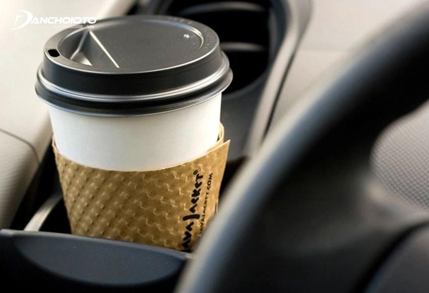 Uống cà phê là cách chống buồn ngủ khi lái xe hiệu quả
