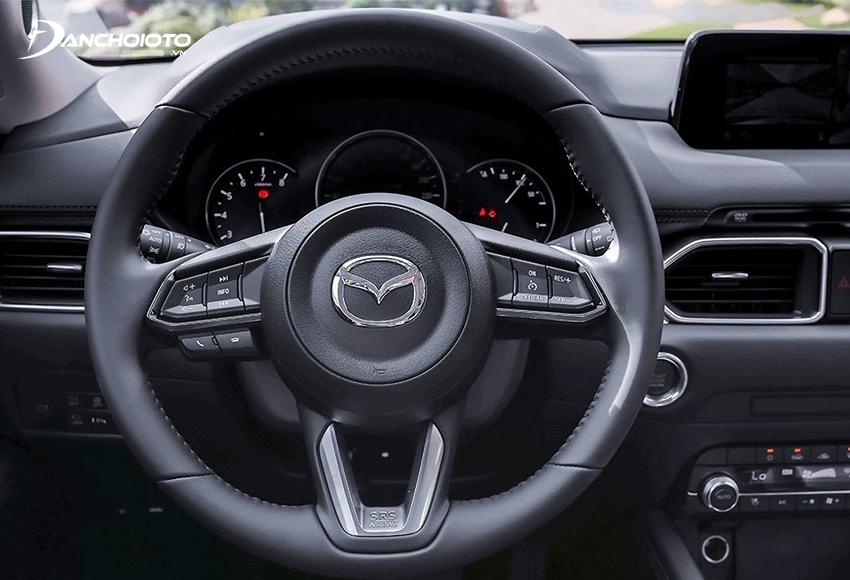 Vô lăng Mazda CX-5 2021 bọc da 3 chấu thể thao
