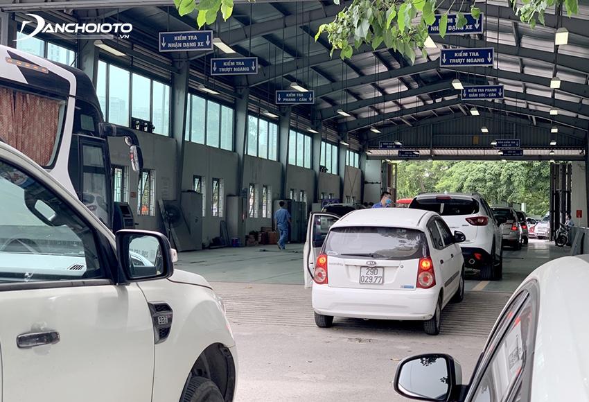 Sau khi hoàn tất thời gian đăng ký xe ô tô mới, chủ xe cần đưa xe đi đăng kiểm lần đầu