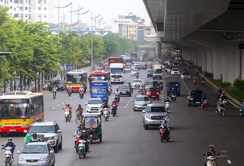 Tốc độ xe ô tô trong khu đông dân cư thấp hơn ngoài khu đông dân cư