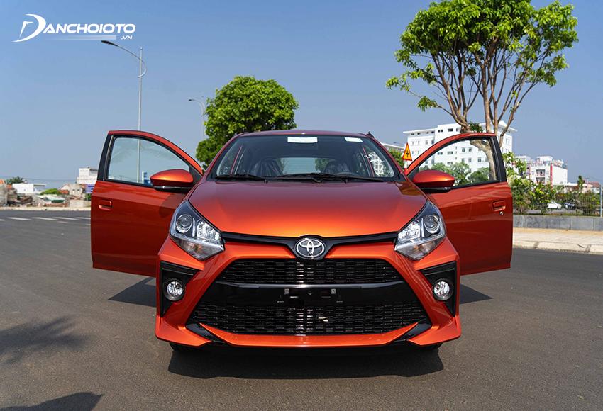 Toyota Wigo cũng là một lựa chọn tốt với những ai đang phân vân 300 triệu nên mua xe ô tô mới nào