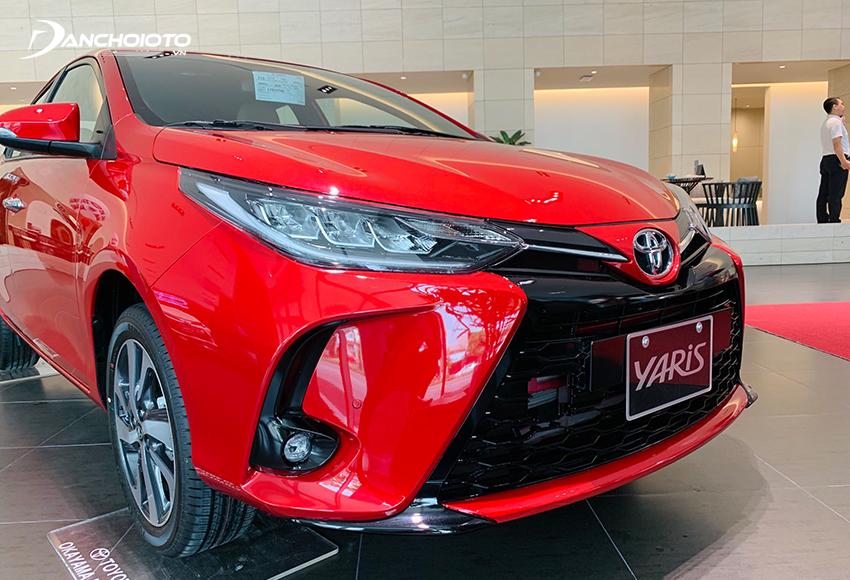 Toyota Yaris là lựa chọn tốt với những ai đang chưa biết 600 triệu nên mua xe gì phù hợp với gia đình dưới 4 – 5 thành viên