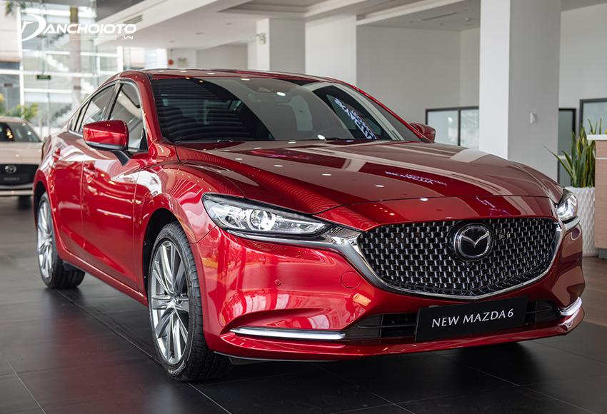 Với những ai đang đắn đo mua xe gì với 900 triệu thì Mazda 6 là cái tên đáng tham khảo