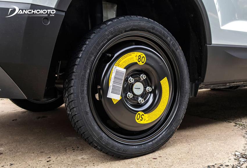 Xe thay lốp dự phòng nhỏ hơn lốp chính thường chỉ nên chạy tầm 40 – 50 km/h