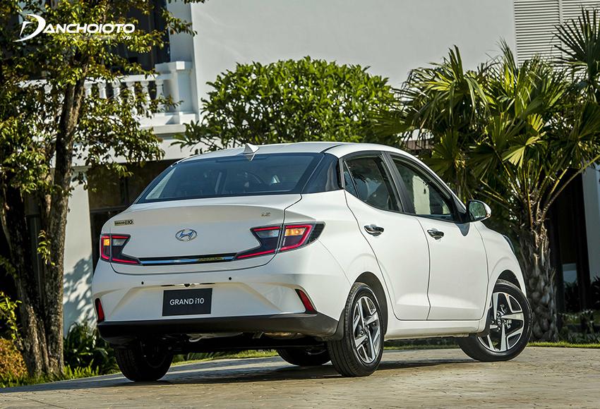 Đuôi xe Hyundai i10 2021 hatchback