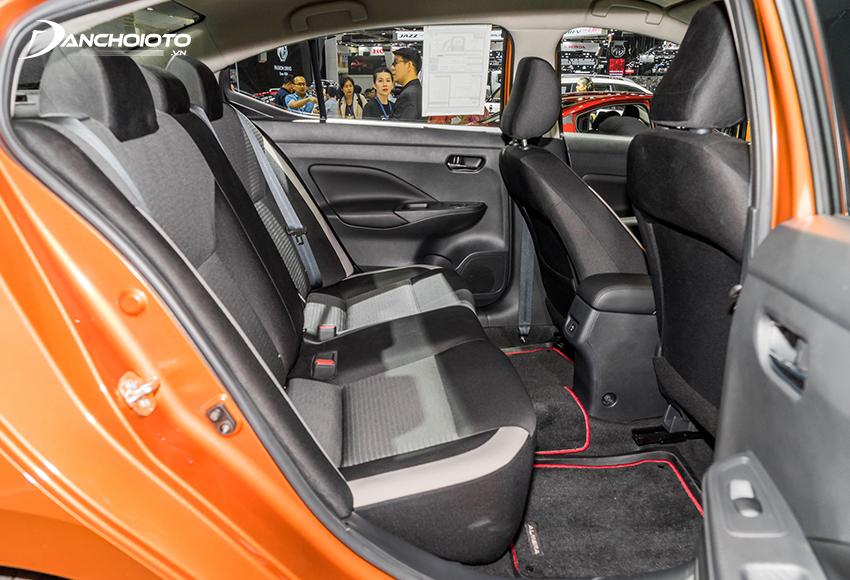 Hàng ghế sau Nissan Almera 2021 thuộc hàng rộng rãi bậc nhất
