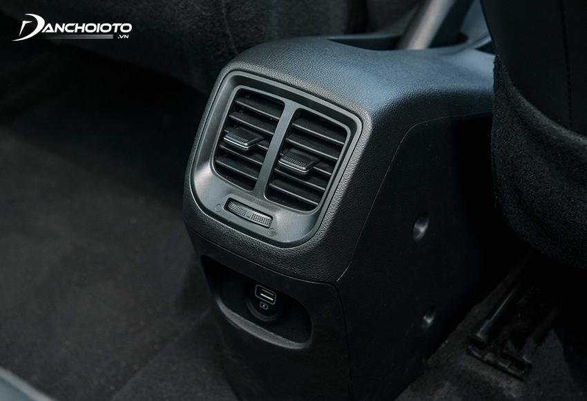 Hyundai i10 2021 có cửa gió riêng ở hàng ghế sau