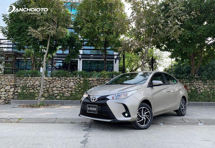 Khi nói đến các mẫu xe số sàn đáng mua trong phân khúc sedan hạng B thì không thể bỏ qua Toyota Vios MT