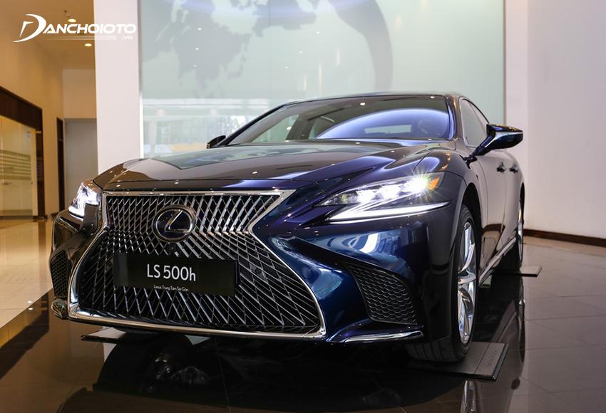 Lexus LS 500h hybrid là mẫu xe full hybrid đầu tiên được hãng Lexus phân phối chính hãng tại Việt Nam