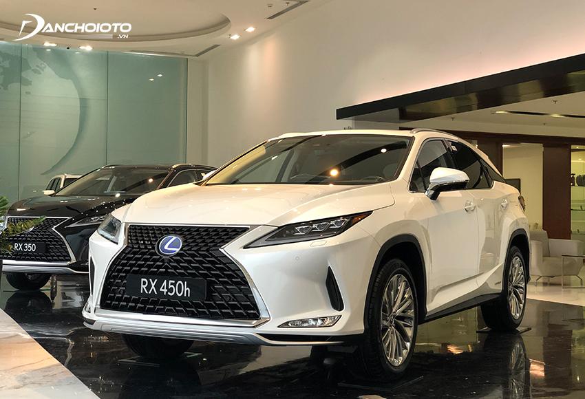 Lexus RX450h hybrid là mẫu xe 5 chỗ gầm cao hybrid hiếm hoi tại Việt Nam