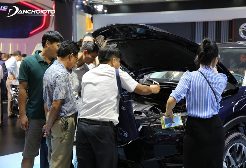 Rất nhiều người thắc mắc lương 8 – 10 triệu có nên mua ô tô không, lời khuyên chân thành là không