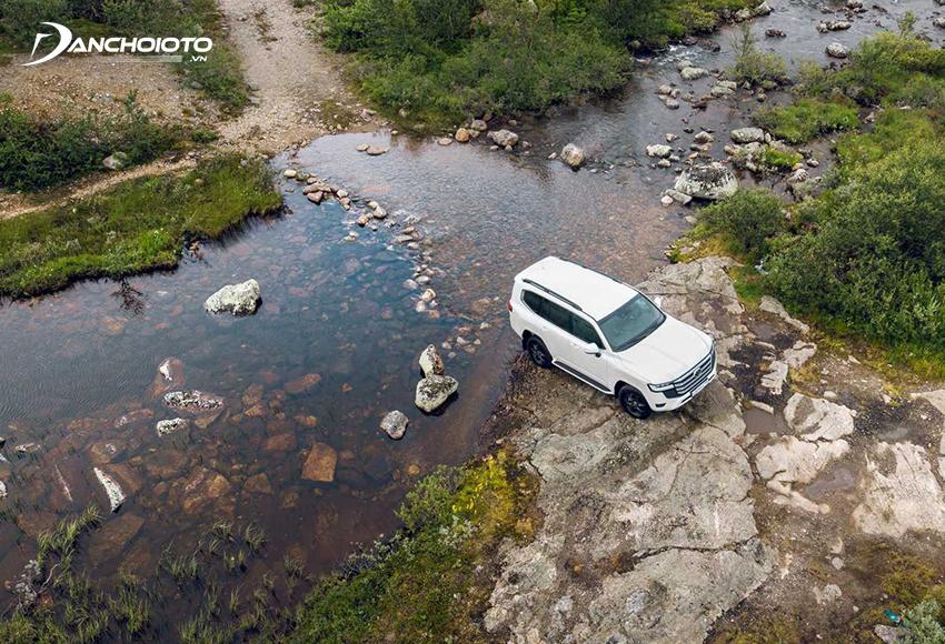 Toyota Land Cruiser 2021 sử dụng khung gầm mới nhẹ hơn nhưng cứng hơn