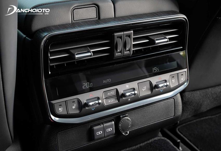 Toyota Land Cruiser dùng loại điều hoà tự động 4 vùng