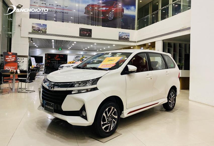 """Trong các loại xe 7 chỗ số sàn giá rẻ hiện còn có một cái tên khác hơi """"lặng tiếng"""" đó là Toyota Avanza"""