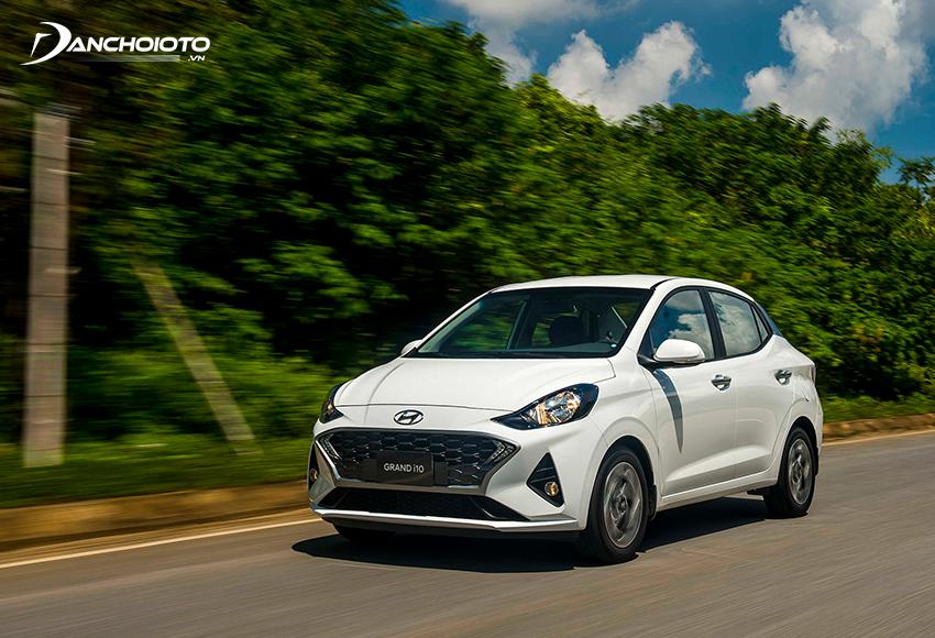 Trong đô thị, Hyundai i10 có độ vọt rất ổn, di chuyển linh hoạt, thoải mái