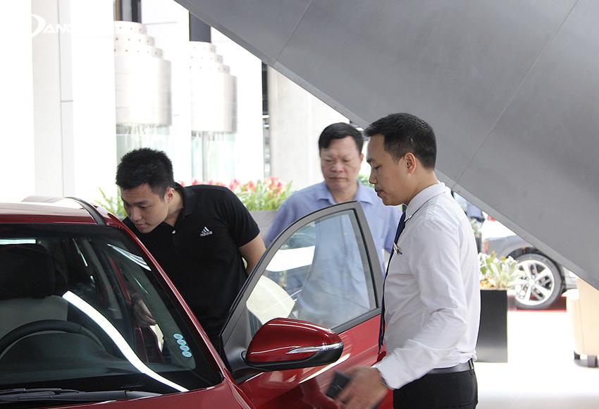 Trước khi xe ra mắt phiên bản mới là thời điểm thích hợp mua xe ô tô để có được giá rẻ nhất