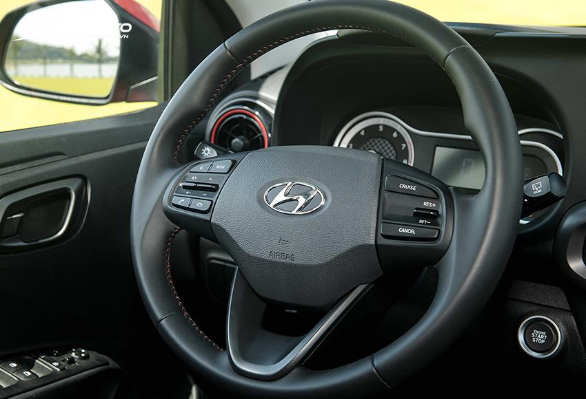 """Vô lăng Hyundai i10 2021 """"xịn sò"""" hơn trước"""