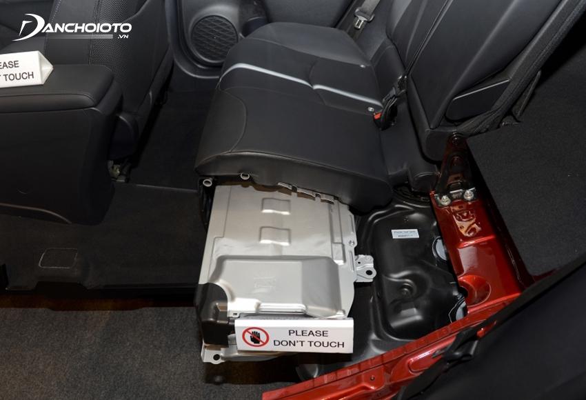 Với xe hybrid, người dùng phải chú ý thêm việc bảo dưỡng và sử dụng pin hybrid