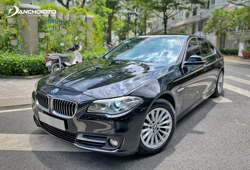 BMW 520i rất hợp với những người muốn trải nghiệm xe sang Đức tầm 1 tỷ đồng với đời cũ chưa quá sâu