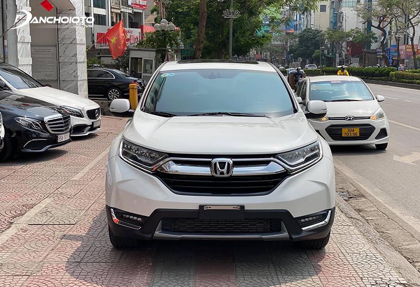 Honda CR-V là một mẫu xe rất đáng để cân nhắc trong các dòng ô tô 7 chỗ cũ 800 triệu hiện đang rao bán trên thị trường
