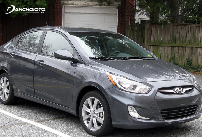Hyundai Accent 2012 – 2013 cũ là một lựa chọn đáng cân nhắc trong nếu đang phân vân 200 triệu mua xe ô tô cũ gì tốt