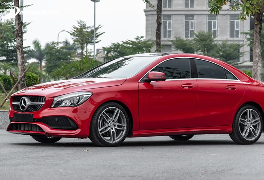 Mercedes CLA Class là lựa chọn phù hợp với người mua xe cũ tầm 1 tỷ đồng, là fan nhà Mercedes nhưng thích cái gì đó trẻ trung, năng động hơn C-Class