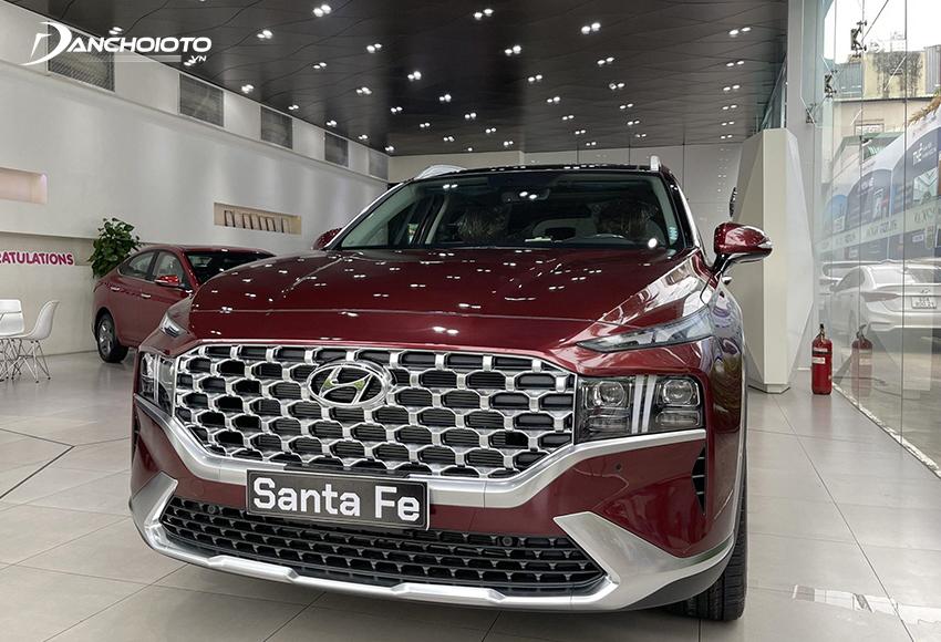 Nếu đang tìm tầm 1,2 tỷ mua xe 7 chỗ nào tốt cho gia đình thì nên cân nhắc đến Hyundai SantaFe