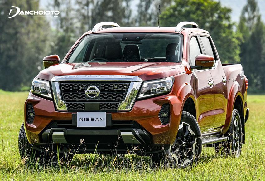 """So với các đối thủ, Nissan Navara có phần """"im hơi lặng tiếng"""" hơn nhưng mẫu pick-up này cũng sở hữu nhiều điểm mạnh lớn"""