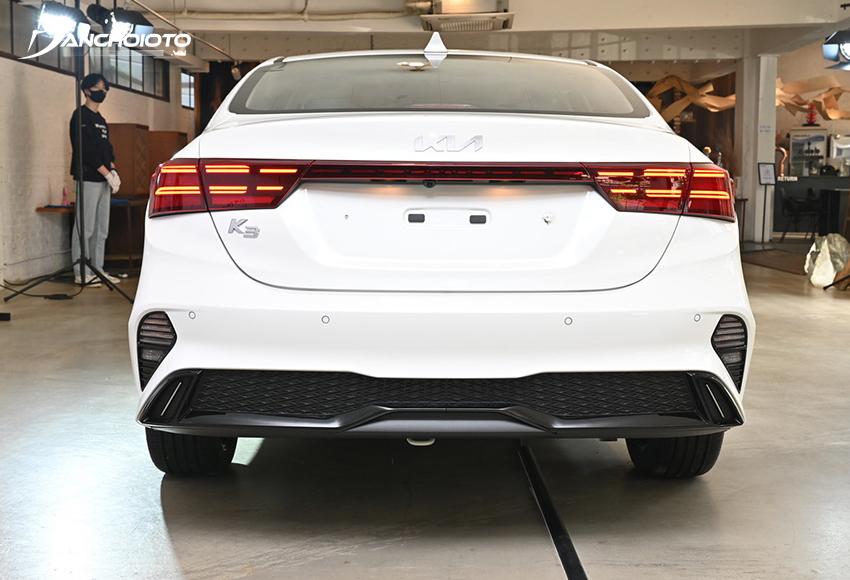 Cụm đèn hậu LED Kia K3 2022 sử dụng đồ hoạ mới, gãy gọn, tinh tế và hiện đại